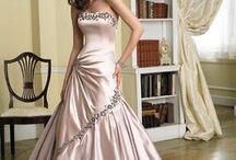 Wedding Dresses / by Patricia J. Zitano