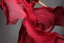 Beautiful Dresses / by Linda Hunt