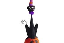 Halloween / by Brittnee Belt