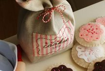 To Sew: bags and purses / by Tuffet