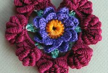 CROCHET FLOWERS MUST MAKE ASAP / by Ruth Aulet