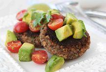 Healthy Dinner Recipes / by Mac-n-Mo's