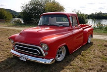 Classic Trucks / by Peter Holley