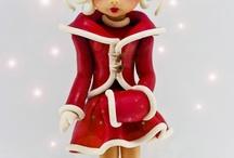 Christmas Cakes / by MakingArtMatters