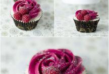 Cupcakes / by Renee Van der Waal