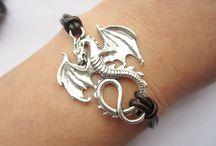 Dragons / by Albertina Reyes