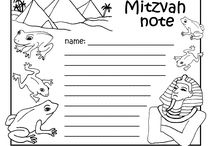 Passover Crafts  / #Passover #pesach crafts and #diy projects  / by Not 2 Shabbey