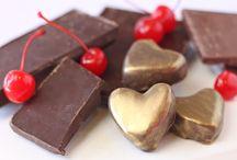 sweets...delishousness... / by Cybele Ayaquica