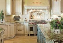 Kitchens / by Cynthia Delgado Bienduga