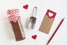 love: Gifts / by Katy Bloss
