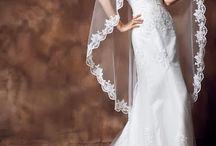 Wedding Dresses / by Fiby Miranda