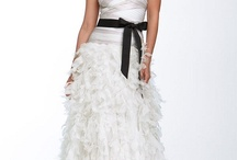 Wedding dresses / by Ayschlaine Profas