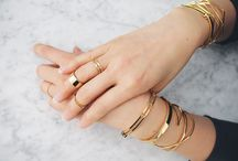 Minimal accents / delicate jewelry and barely there baubles  / by Jaclyn Giuliano
