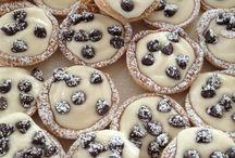 Desserts / by Sana Fatima