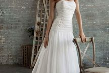 Beautiful Bridal Gowns / by Laura Fugate