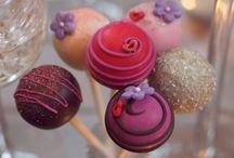 Cakes | Cake Pops / by byMelissaBee (Melissa Martheze)