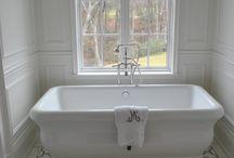 Bathrooms / by Maria Saulsbury