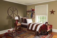 Bedrooms / by Alyce Applebee