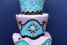 Cakes / by Yrsa Stelludóttir