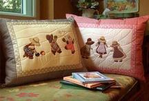 Nice Pillows / by Zuhal Ağaoğlu