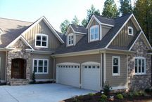 Exterior House Colors / by Joanie Henderson