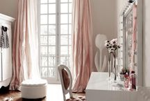 Closets & Dressing Rooms  / A board dedicated to closets, dressing rooms and vanities that I like.  / by Hilary Flint