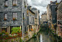 Beautiful Places / by Denysé Bridger