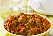 Slow Cooker Recipes / Grab your slow cooker and get crackin' at these savory recipes!  / by Hunt's Tomatoes
