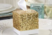 Gold Glitter Wedding Ideas / by Pink Frosting