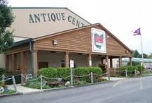 Antique Malls and Flea Markets / by Amy Rork