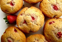 Bread/Muffin Recipes / by Andrea Cryderman-Walker