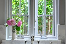Kitchens / by Janine Dunn
