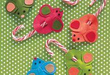Christmas CRAFTS / by Dyanna Freitas Burak