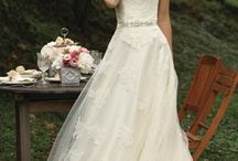 Dream Wedding Ideas(: / by Molly Smith