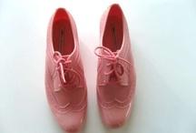 Shoes / by Luciana Jazmin Medina