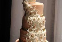 pretty cakes / by Elizabeth Johnson