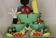 Birthday Parties / by Sadie Fangue
