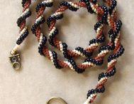 beadweaving - herringbone / by The Crafter's Apprentice