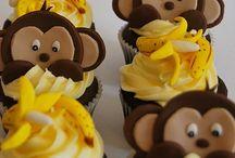 cupcakes / by Cassandra Schloss