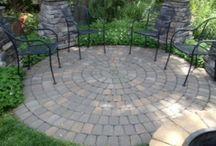 Pocket Garden Ideas / by Shannon Blickenstaff