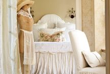 Beautiful Bedrooms / by Vintage Linens