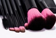 Make up/ Hair/ Beauty/ Nails / by Perrin Bias