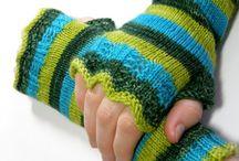 Loom Knitting Tidbits / by Sandi Lynch