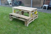 Pallets repurposed / Housing, furniture, and all sorts of nifty stuff / by Dace Zeps