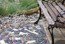 ✣ Pᴇʙʙʟᴇ ᴍᴏsᴀɪᴄs ₪ / Pebble and stone mosaics, see also 'Garden mosaics' and 'Stunning stone' / by ✿⊱ ᎷᎯᏒᎥᏖᏕᎯ'Ꮥ ᎶᎯᏒᎠᎬN ⊰✿