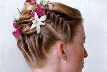 Hair and makeup / by Carolyn Maye