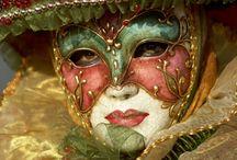 Au bal masqué... / by Hélène Fredette