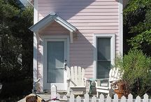 Cozy Cottages / by DeeDee Suzich