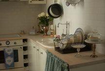 Kitchen Decorating Ideas / by Erin Branscom