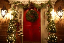 Seasonal Decor: Christmas Exterior / by Amelia Laster